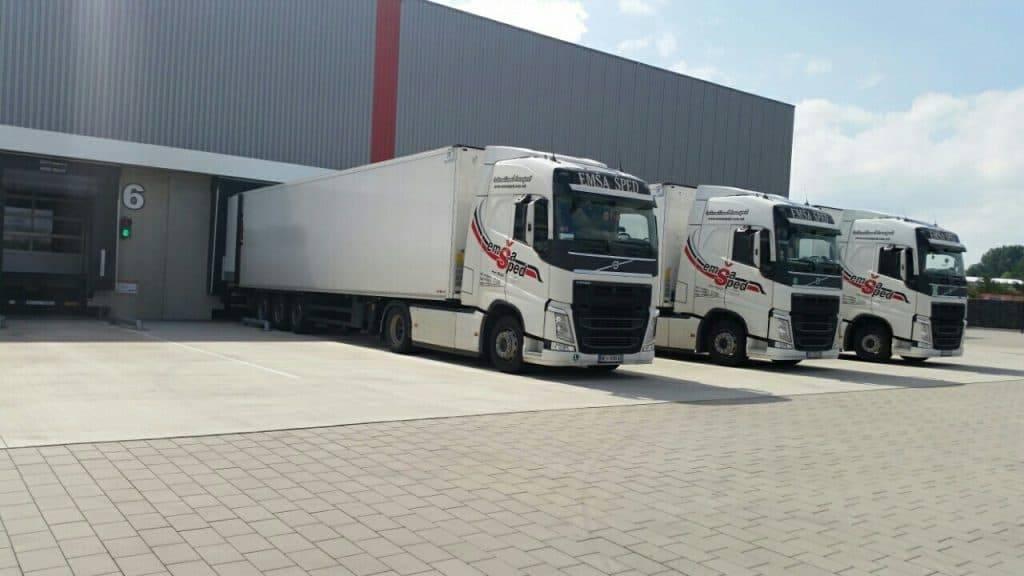 логистички услуги емша шпед камиони десно